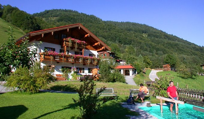 rooms, studio flats, holiday flat for your holidays at the house Mayringerlehen in Ramsau